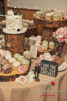 World Class Weddings cake3 Confectionately Yours!