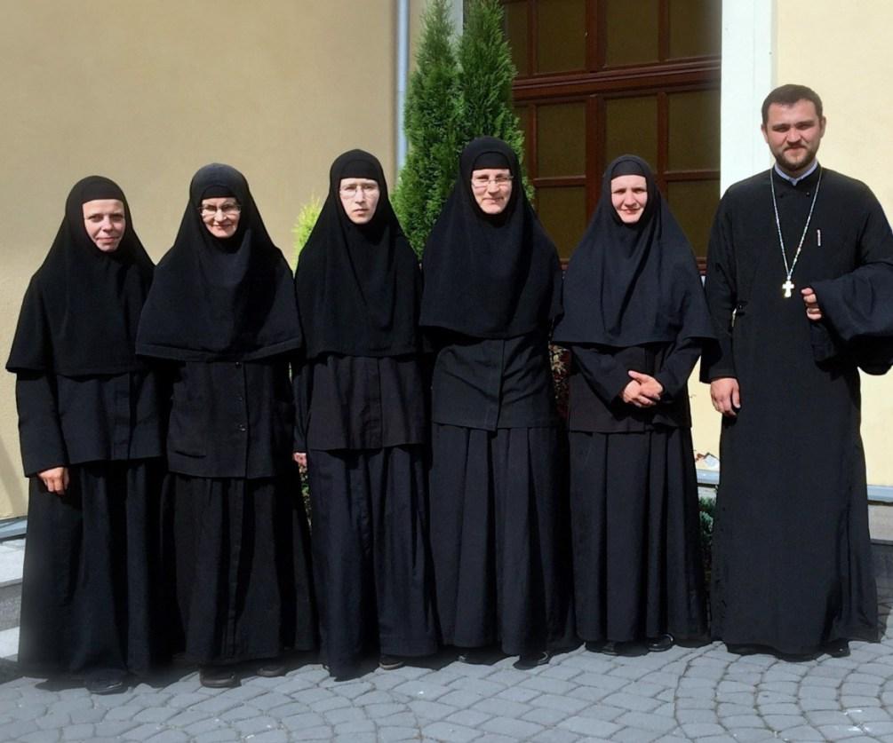 Chór Monasteru Opieki Matki Bożej w Turkowicach i ks. dr Jarosław Szczur