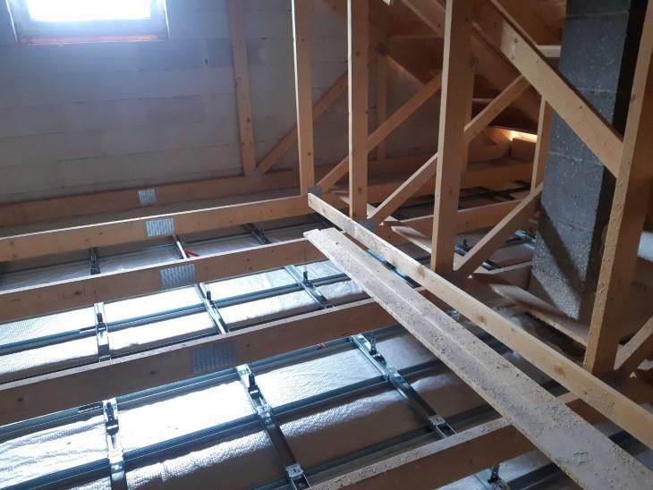 ocieplenie domku jednorodzinnego przez docieplenie metodą wdmuchiwania izolacji (8)