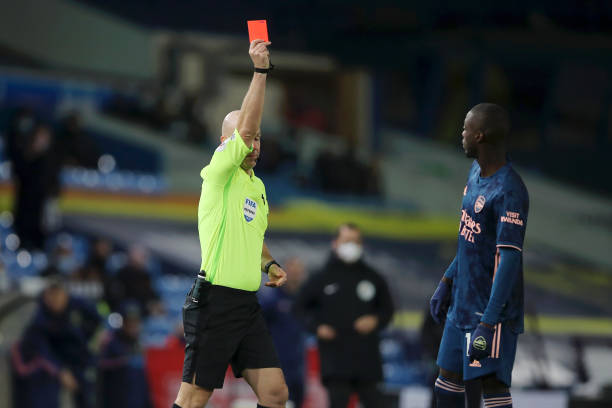Nicholas Pepe apologizes after red card against Leeds United