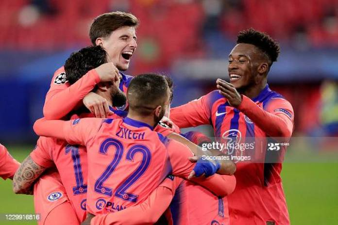 SEVILLA, SPAIN - DECEMBER 2: Olivier Giroud of Chelsea celebrates 0-4 with Mason Mount of Chelsea, Hakim Ziyech of Chelsea, Callum Hudson Odoi of Chelsea  during the UEFA Champions League  match between Sevilla v Chelsea at the Estadio Ramon Sanchez Pizjuan on December 2, 2020 in Sevilla Spain (Photo by David S. Bustamante/Soccrates/Getty Images)