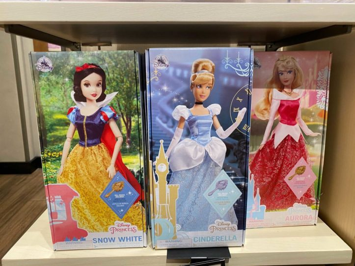 downtown-disney-district-plastic-free-packaging-classic-dolls-9-9909506