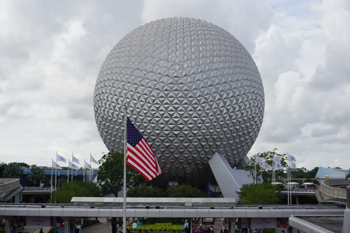 PHOTO REPORT: EPCOT 9/12/2021 (Camera removed from Spaceship Earth, New Spooky Caramel-Apple Sipper, Construction, Character Sightings and More)