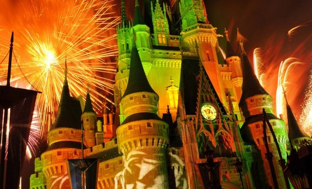 """Walt Disney World To Live Stream """"Mickey's Boo To You Parade"""" & """"Happy HalloWishes Fireworks"""" September 18"""