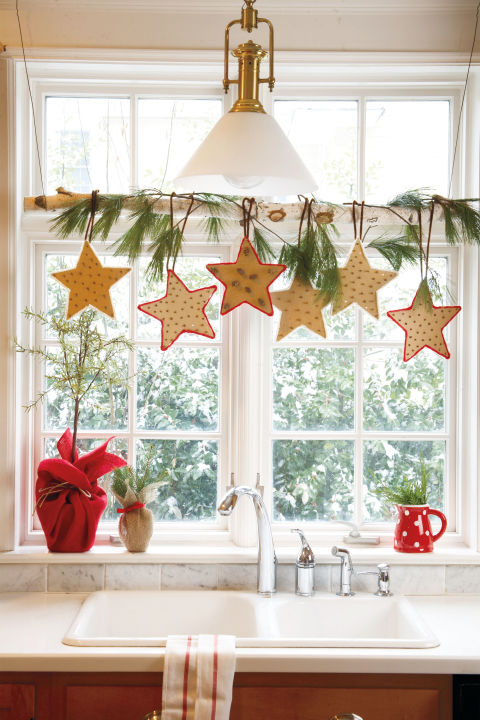 Cut freehand stars out of cardboard and poke cloves through one star for a natural air freshener. What you'll need: Cardboard ($12; amazon.com)