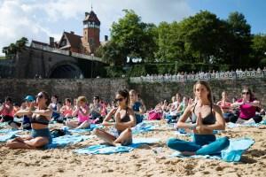 yoga-roxy-fitness-san-sebastien-2017-guillaume-arrieta-we-creative