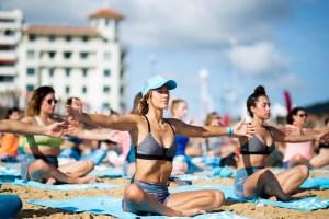 justine-mauvin-yoga-roxy-fitness-san-sebastien-2017-guillaume-arrieta-we-creative