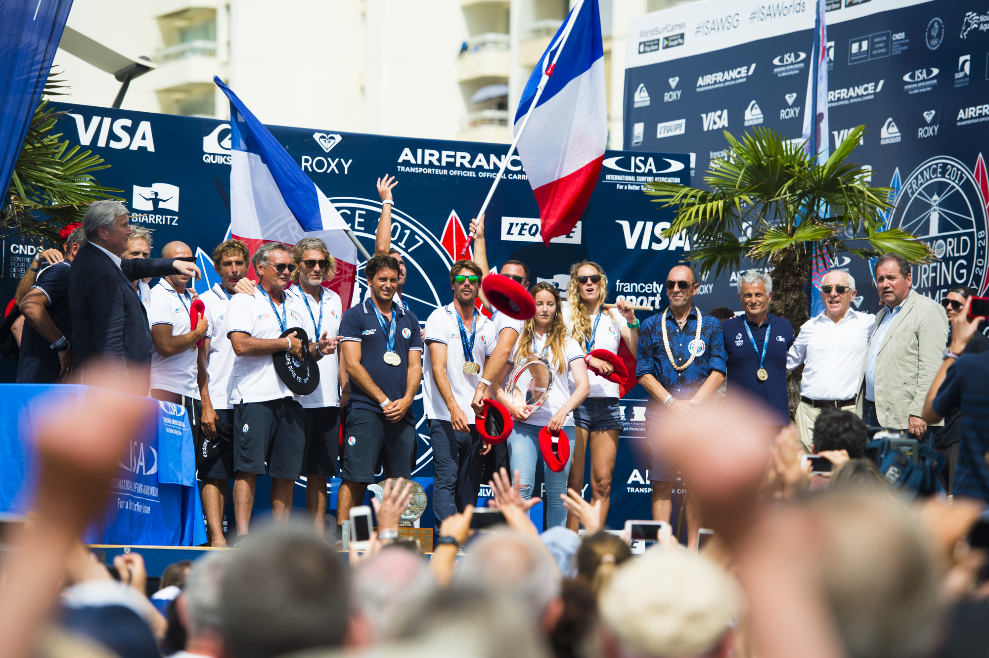podium-france-ISA-world-surfing-games-2017-biarritz-antoine-justes-we-creative