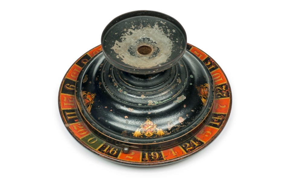 1a4. Gambling Doctored roulette wheel seized from Barnet Fair, c.1885 ∏ Museum of London