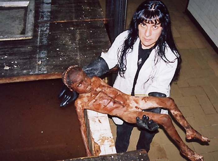 -5-autorretratos-en-la-morgue-1998-courtesy-of-galerc3ada-labor