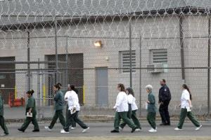 Inside Private Prisons. An American Dilemma in the Age of Mass Incarceration