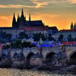 Карлов мост и Пражский град на закате