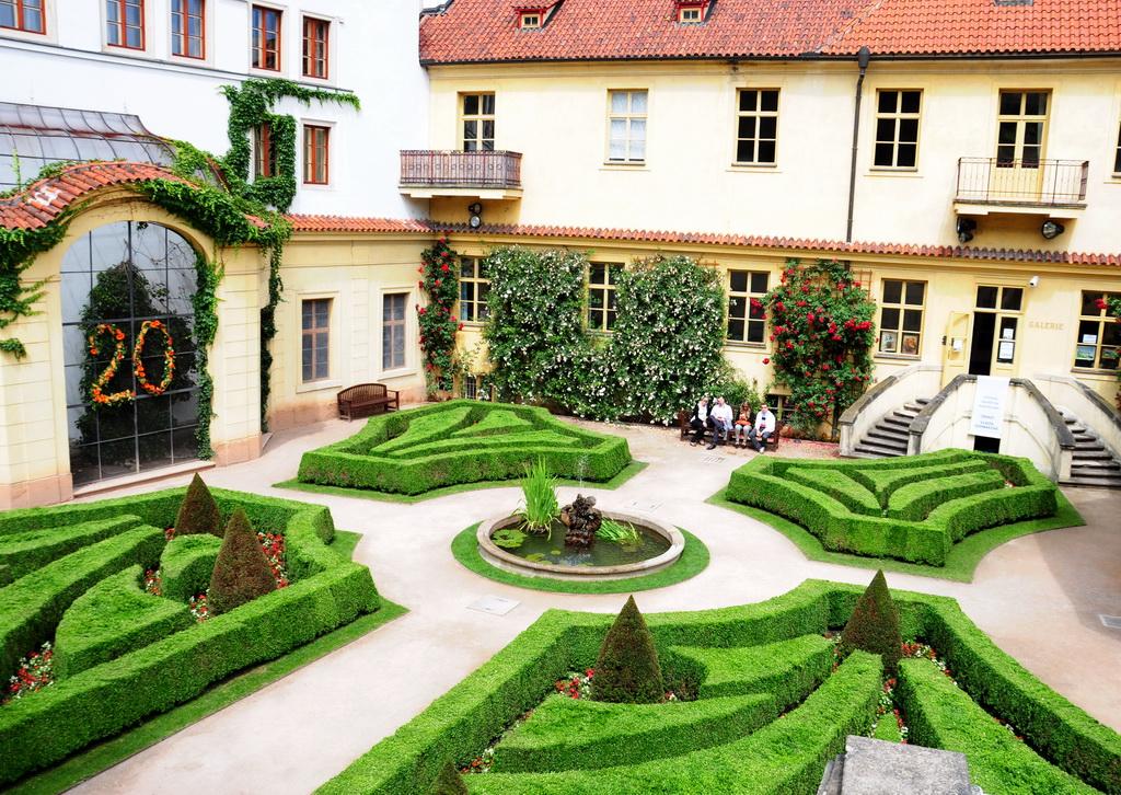 Уютный дворик Вртбовского дворца