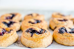 wholemeal blueberry scrolls baby led weaning finger food first foods