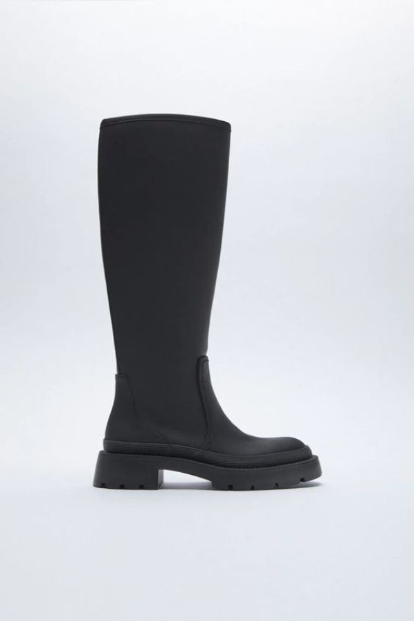 RUBBERISED FLAT BOOTS Zara