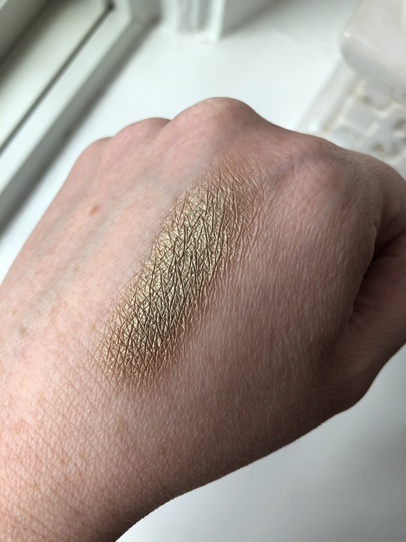 Swatch of Sumptuous Olive eyeshadow