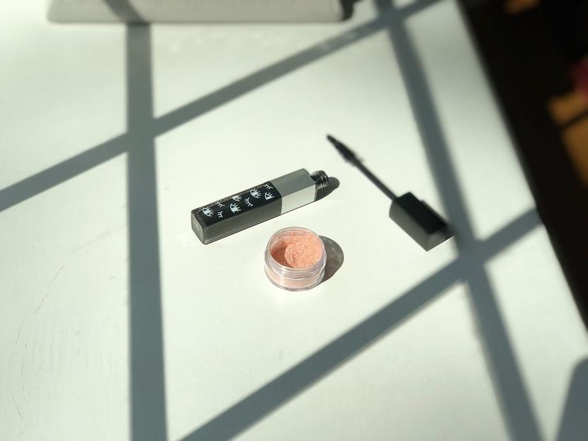 Moonplay Cosmetics Hyper Flash Powder in Vow, loose highlighting powder