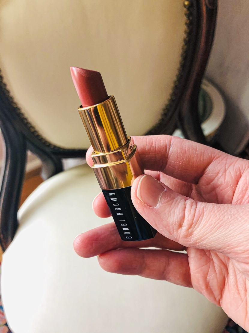 Bobbi Brown Lipstick in the shade Brownie