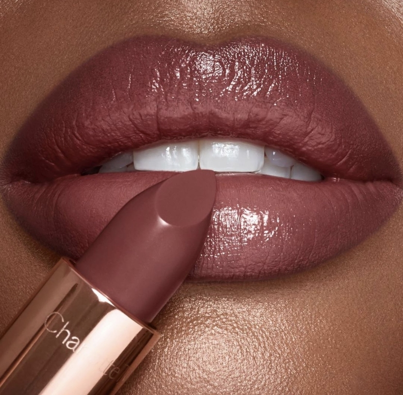 Visual showing lipstick applied to lips
