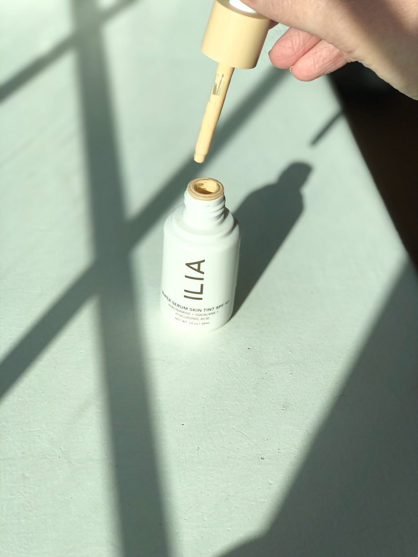 Pipette-style packaging on skin tint