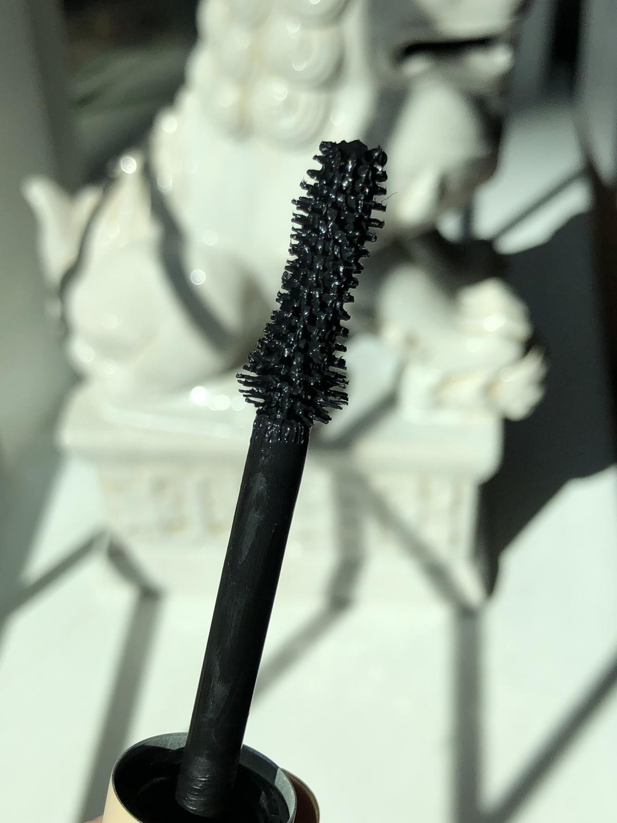 ILIA Beauty Fullest Volumizing Mascara, close-up on brush