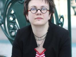 Sacha-lesbienne-a-Moscou