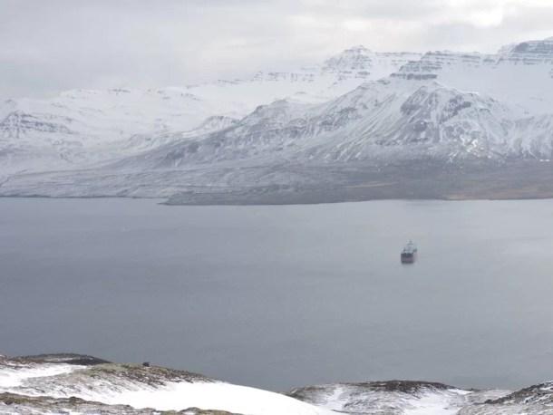 Islanda Fiordi Est via costiera nave