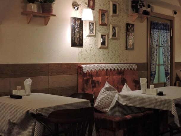 Kvartirka-Kafe-mangiare-a-san-pietroburgo