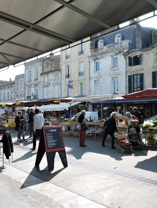 Esterno del Marchè des Capucins di Bordeaux