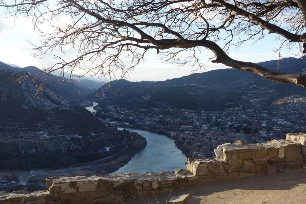 Mtskheta vista dal monastero di Jvari
