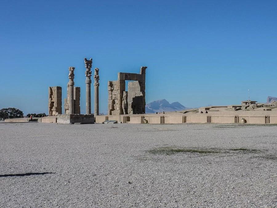 Veduta della porta delle nazioni di Persepolis