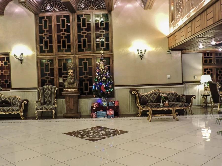 La hall del KarimKahn Hotel a Natale