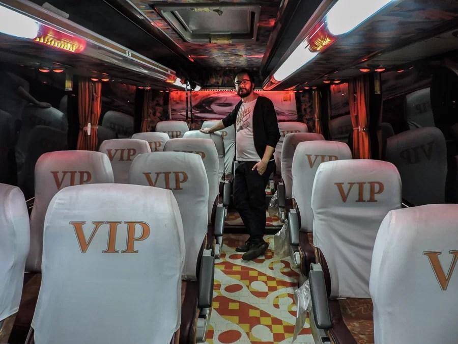 Il comodo bus notturno della compagnia VIP