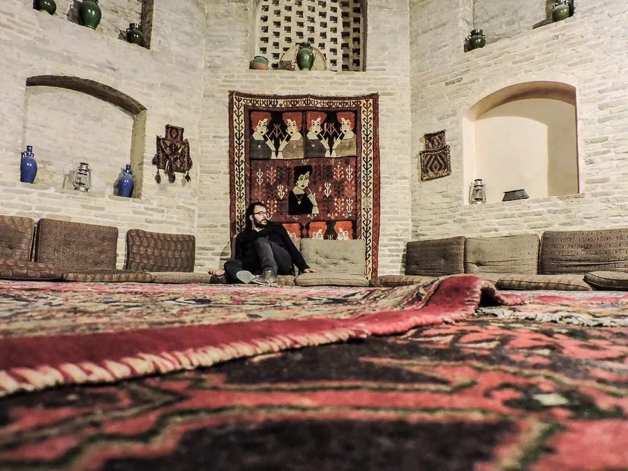 Uno dei salotti interni dello Zein-o-Din