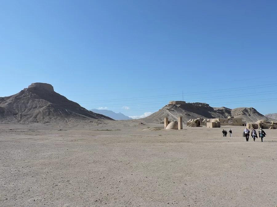 Veduta delle torri del silenzio Dakhmeh-ye Zartoshtiyun