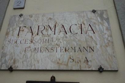 farmacia Munstermann in piazza Goldoni a Firenze