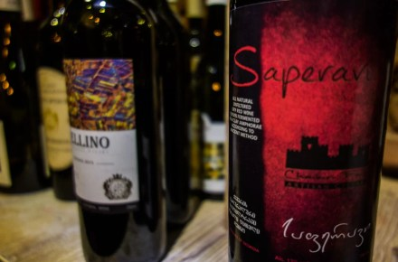 il tipico vino georgiano: il saperavi