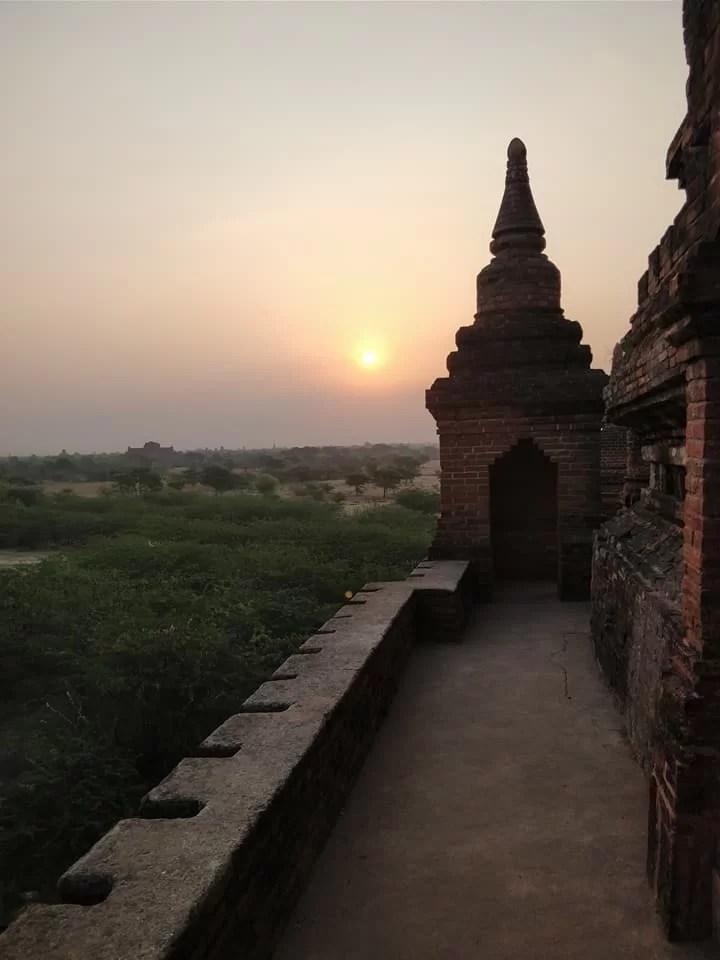 Alba a Bagan