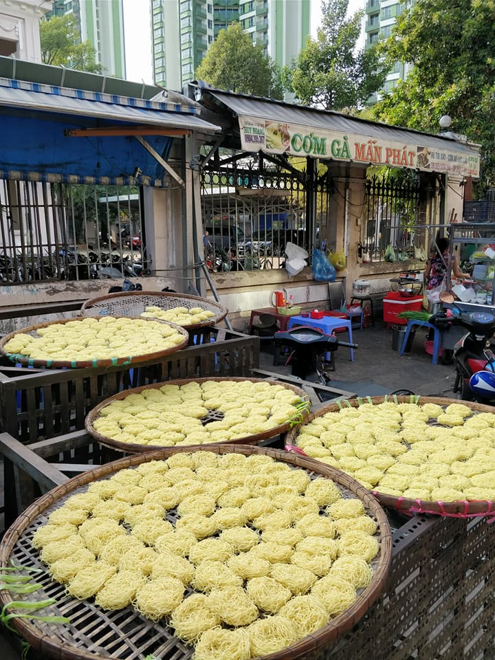 Drying noodles a Ho Chi Minh