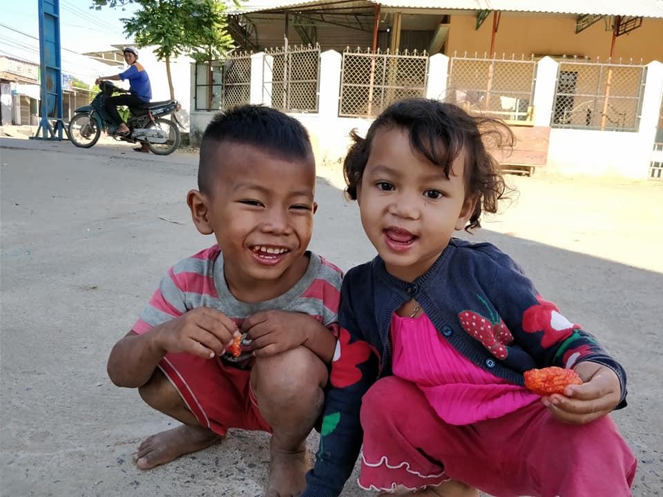 bimbi vietnamiti a Kon Tum