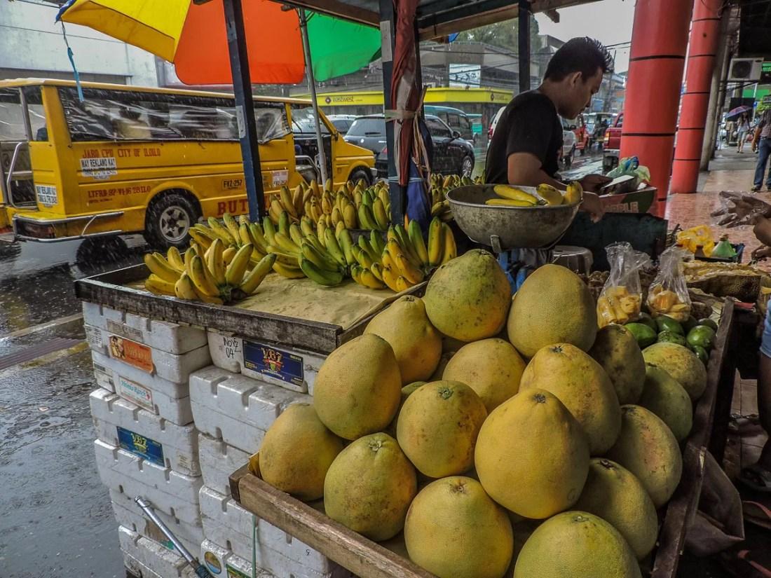 venditore di frutta a ilo ilo