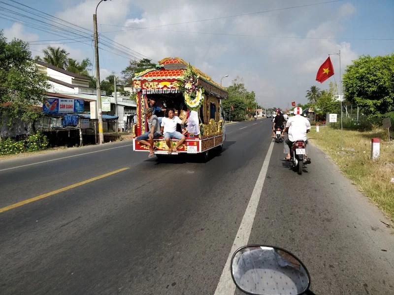 Carro funebre vietnamita