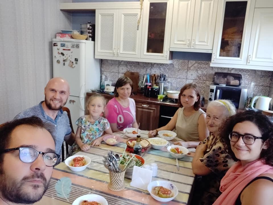 Alex e la sua famiglia con cui abbiamo passato splendidi giorni a Karaganda