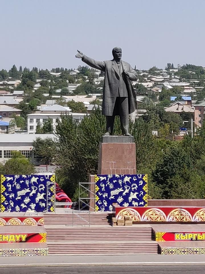 La statua di Lenin a Osh fotografata da noi nel 2018
