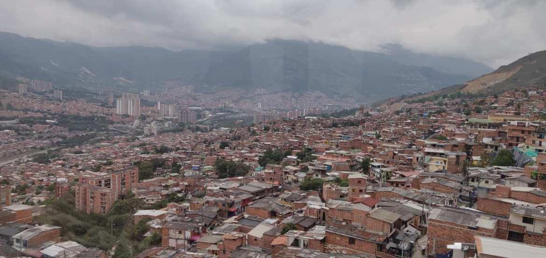 Vista della parte di Nord di Medellin dalla teleferica che sale a Santo Domingo