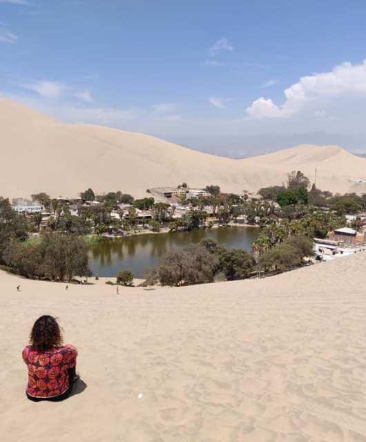 L'oasi di Huacachina dove si può fare dune buggy e sand boarding vicino Ica in Perù