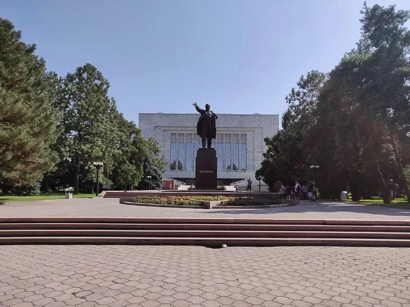 Statua di Lenin in Kirghizistan