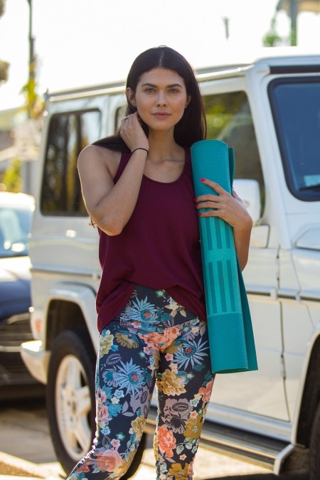 The-Forte-Tank_Zinfandel_The-Comfort-Legging_Annabelle_Lifestyle_Small