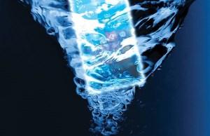 Huawei Ascend W2 plongé dans l'eau