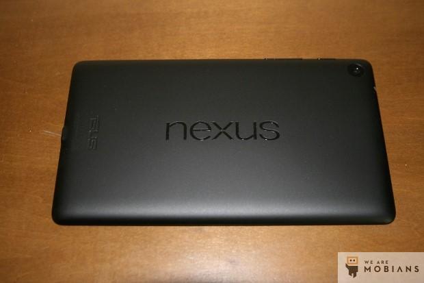 le dos du Nexus 7 avec son appareil photo de 5 megapixels